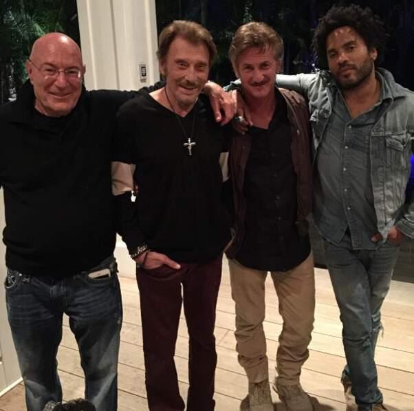 Johnny, le producteur Arnon Milchan, Sean Penn et Lenny Kravitz. TRANQUILLES LES MECS.