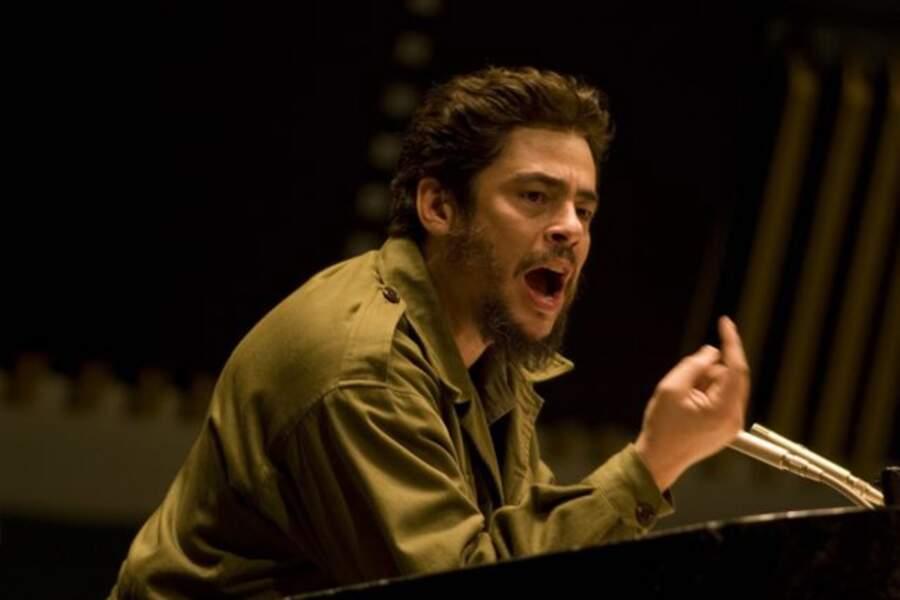 Benicio del Toro bluffant en Che de Steven Soderbergh (2009)