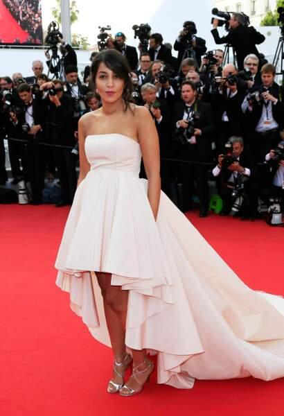 Leïla Bekhti lors de la première montée des marches du Festival de Cannes 2015
