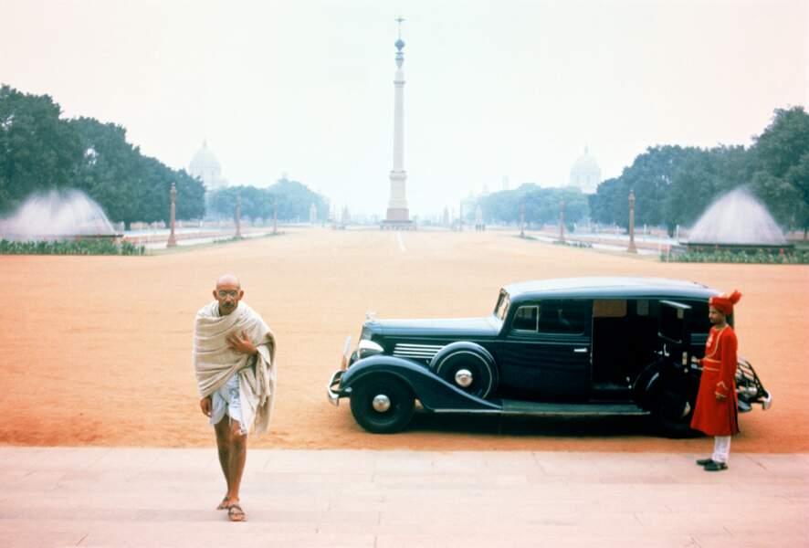 En 1982, Ben Kingsley incarne l'homme politique et philosophe indien Gandhi