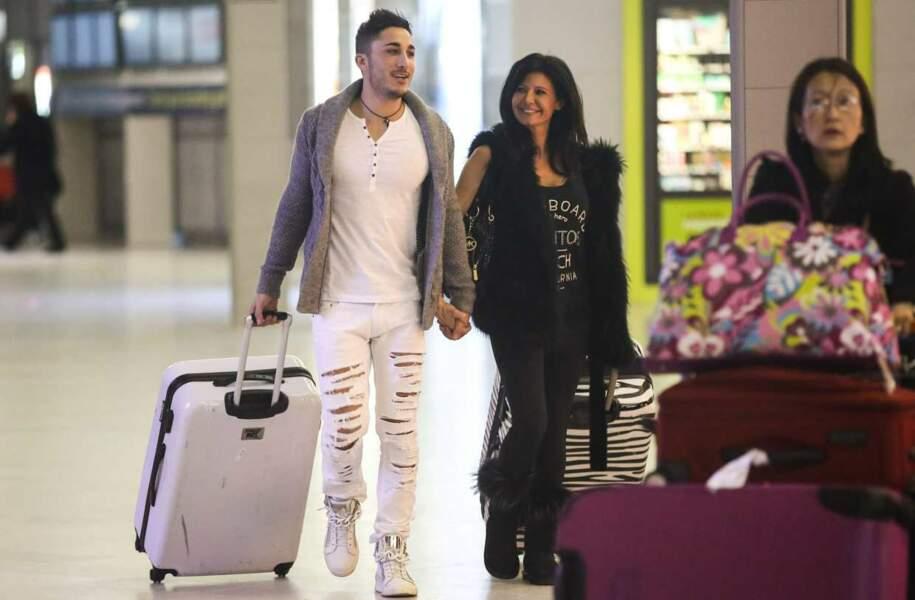 Vivian et Nathalie, toujours aussi amoureux, sont arrivés ensemble à l'aéroport !
