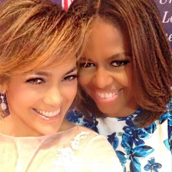 Jennifer Lopez a sorti le look de grand-mère pour aller voir la Première dame, Michelle Obama