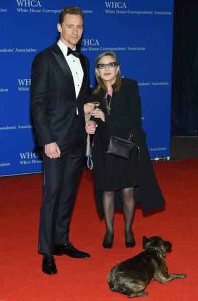 Et Carrie Fisher (Star Wars), jamais sans son chien !