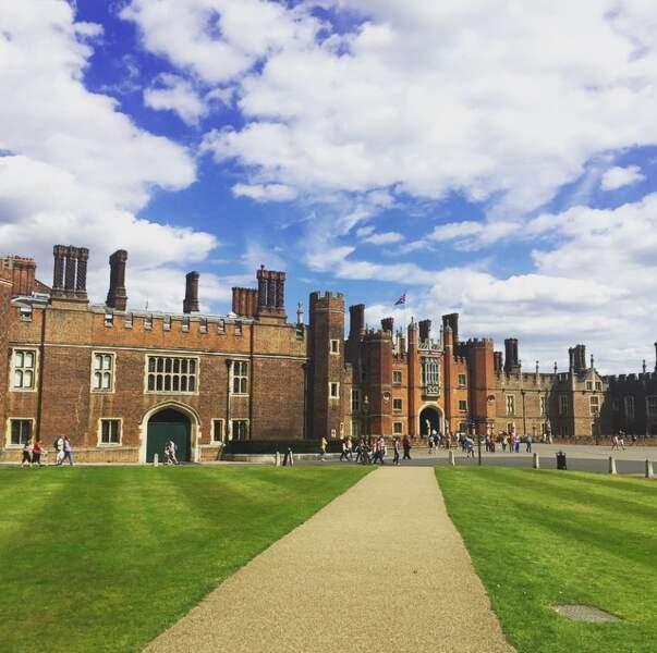 Eugénie Bouchard joue aussi les touristes, mais du côté d'Hampton Court