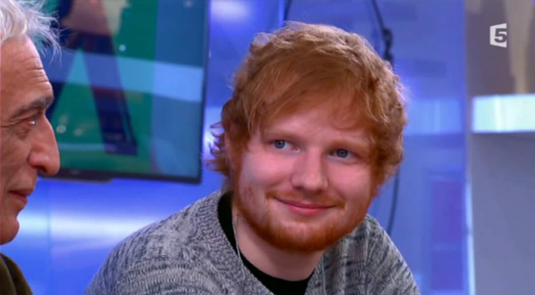 Un peu moins celui très (TROP) casual du chanteur Ed Sheeran.