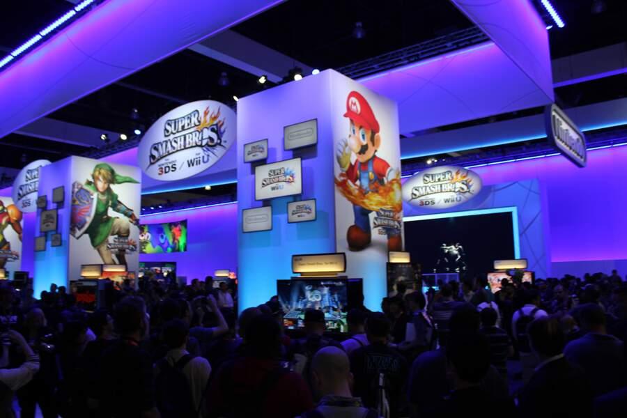 Toujours beaucoup de monde pour jouer à Super Smash Bros...