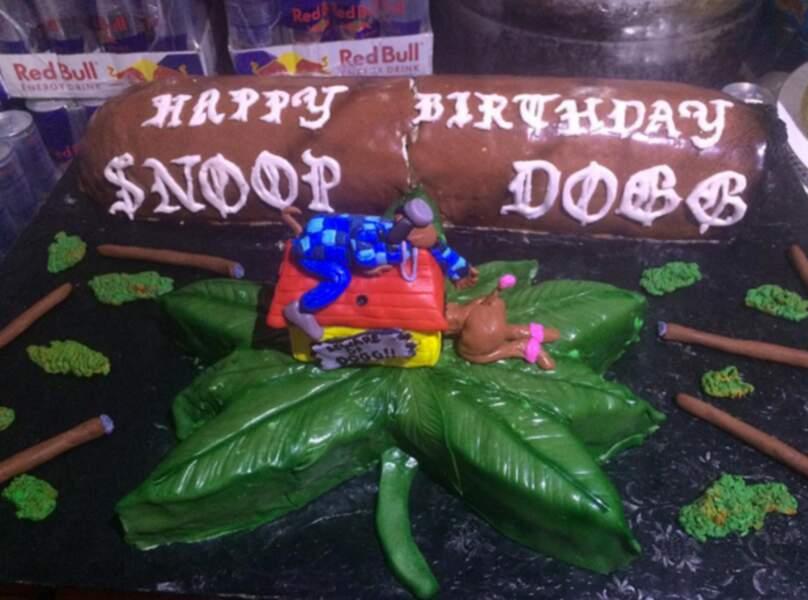 Allez, on souhaite tout d'abord un très bon anniversaire à Snoop Dogg, alias Calvin Cordozar Broadus Jr.
