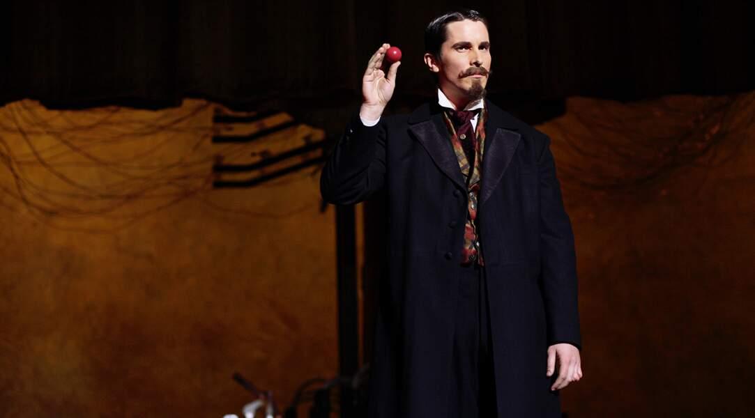 Christian Bale en magicien de la fin du XIXe siècle dans Le Prestige (2006), au côté de Hugh Jackman