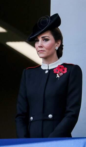 Kate Middleton, très attentive lors de la parade du Remembrance Day, le jour du souvenir