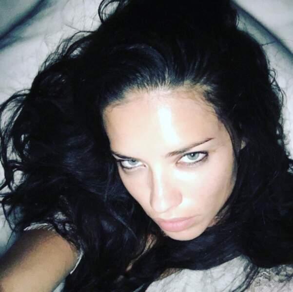 Rassurant : Adriana Lima est une femme comme les autres. Elle a la flemme de se démaquiller le soir.