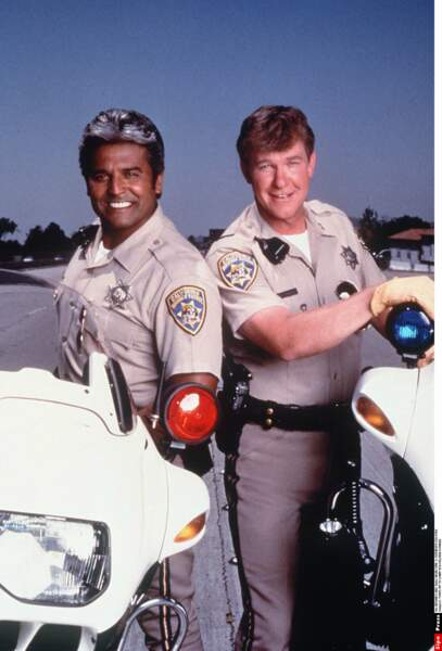 Entre 1977 et 1983, Erik Estrada et Larry Wilcox ont formé le duo de Chips