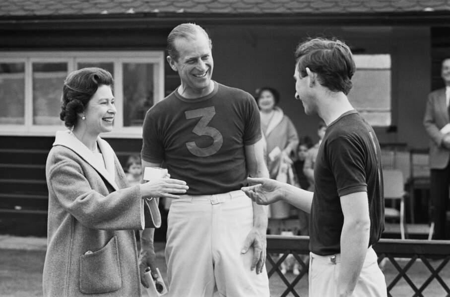 Le 30 avril 1967, ils félicitent leur aîné qui vient de remporter le Trophée des princes en polo