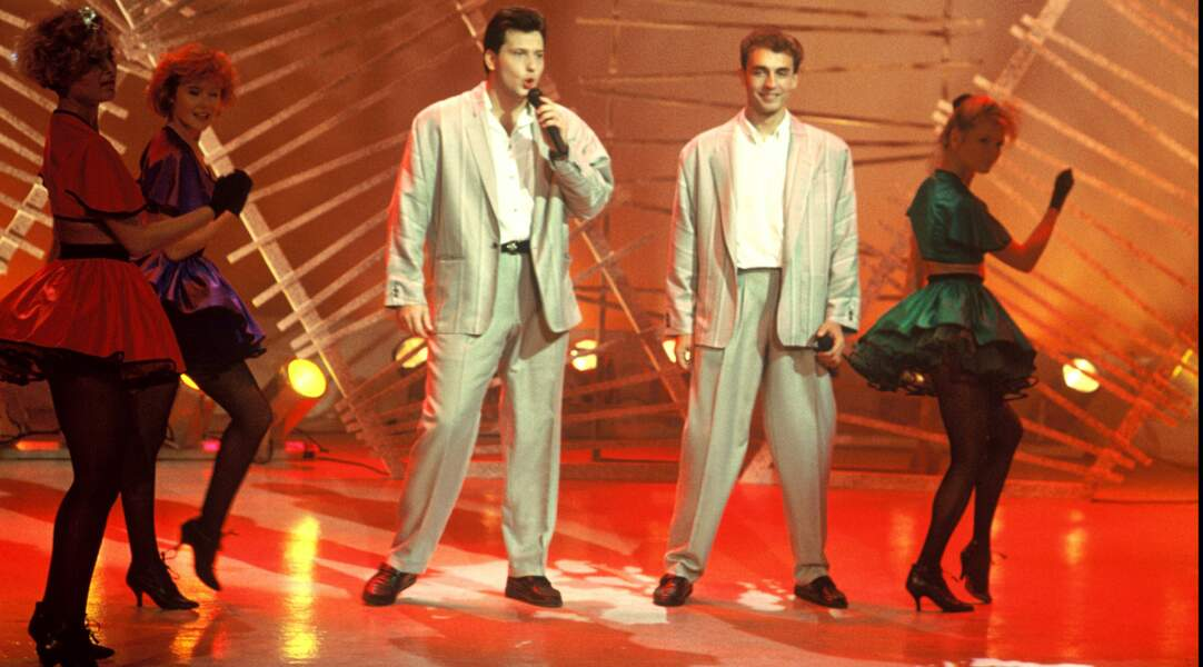 Dans les années 80, le duo Début de soirée drague en boîte de nuit en costumes de VRP. Pas gagné.
