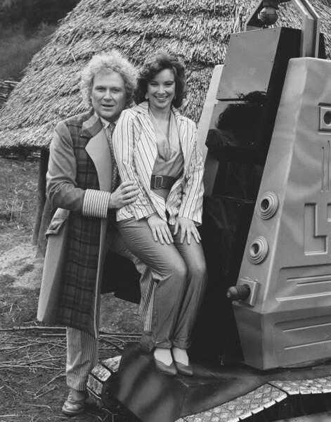 Colin Baker (1984-1986), le 6ème Doctor Who, viré par la BBC car impopulaire. Ici avec Nicola Bryant (Peri Brown)