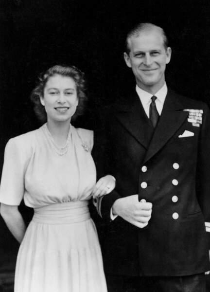 La princesse Elisabeth annonce ses fiançailles avec le prince Philippe de Grèce le 10 Juillet 1947