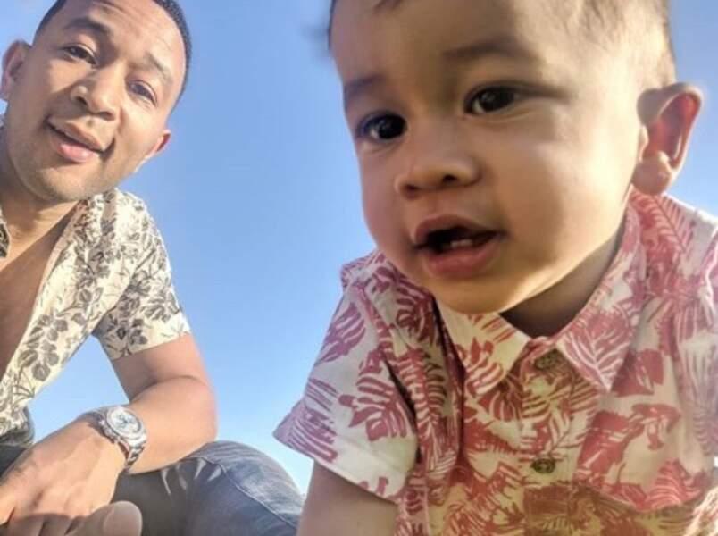 Et John Legend a posé avec son fils Miles.