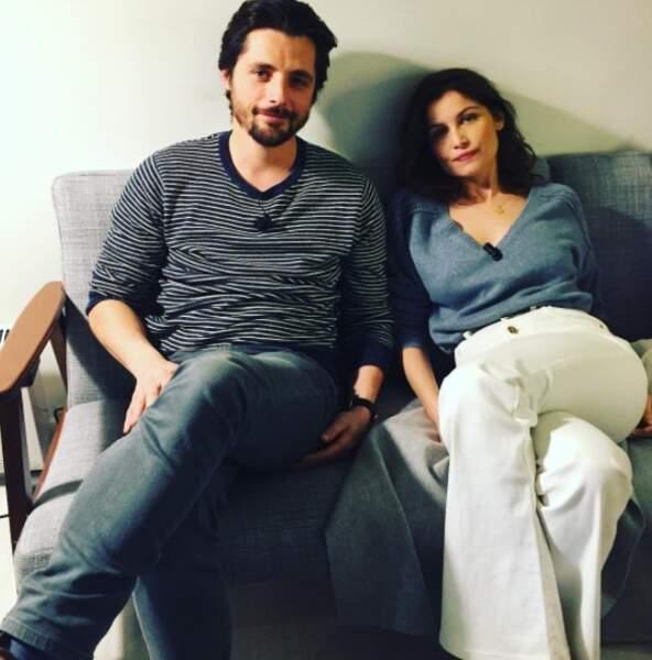 Sur Instagram, elle pose avec Raphael Personnaz, invités ensemble sur un plateau radio