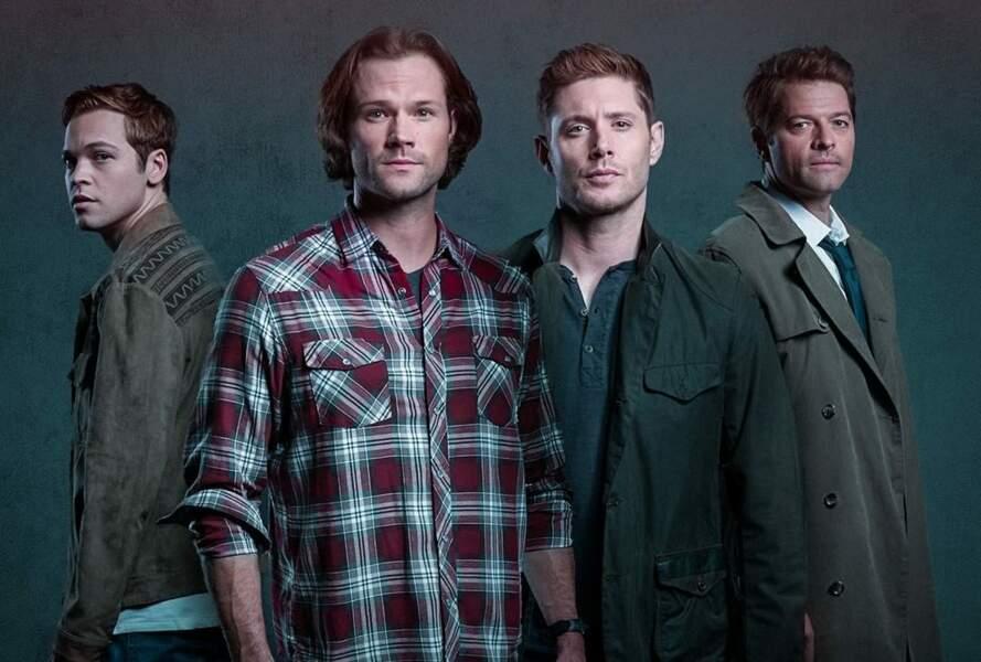 Jared Padalecki et Jensen Ackles (au centre de la photo) incarnent depuis 2005 les frères Winchester dans la série Supernatural