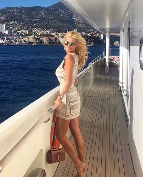 Victoria Silvestedt prolonge un peu l'été
