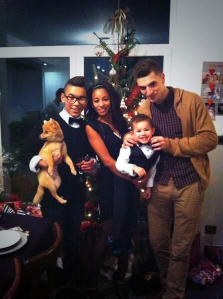 Mon beau sapin... La petite famille fête Noël !