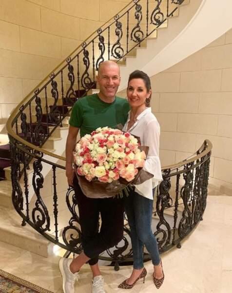 Et Zinédine Zidane est passé chez le fleuriste pour l'anniversaire de sa douce Véronique.