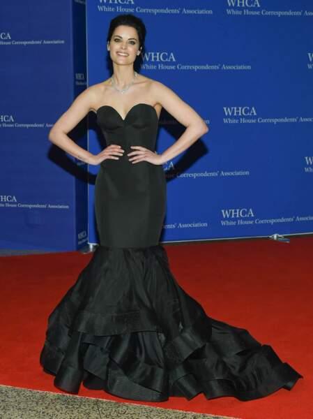 L'actrice Jaimie Alexander (Thor) a sa robe des grands jours
