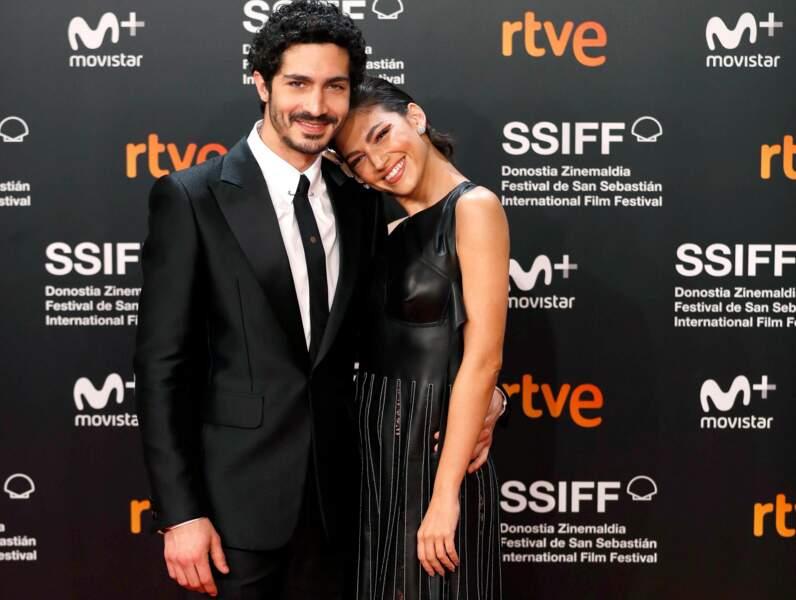En dehors des plateaux de tournage, Úrsula Corberó est en couple avec l'acteur argentin Chino Darin
