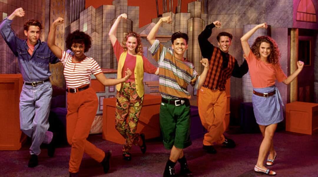 Russell (à droite) au MMC. Elle deviendra l'héroïne en 1998 de la série Felicity, première création de J.J. Abrams.