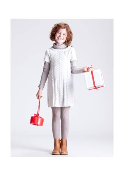 Parfaite pour l'hiver, cette robe torsadée fera le bonheur des petites filles