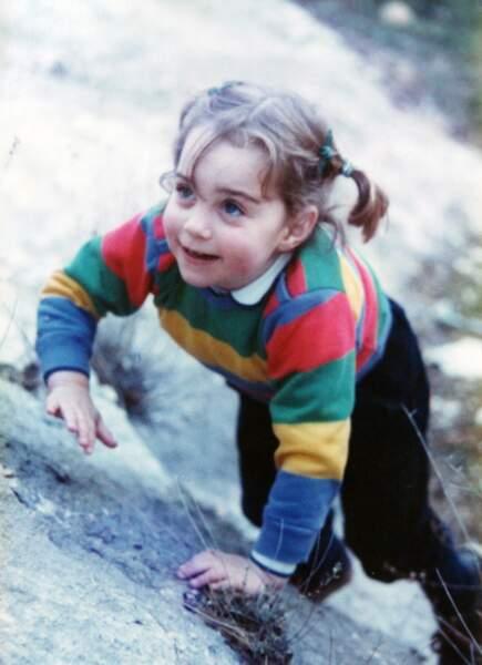 Toute mignonne avec ses couettes, Kate a 3 ans, imaginait-elle que 26 ans plus tard...
