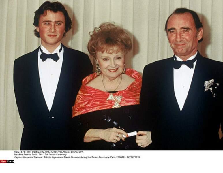 Alexandre Brasseur, Odette Joyeux et Claude Brasseur à la cérémonie des Césars en 1992