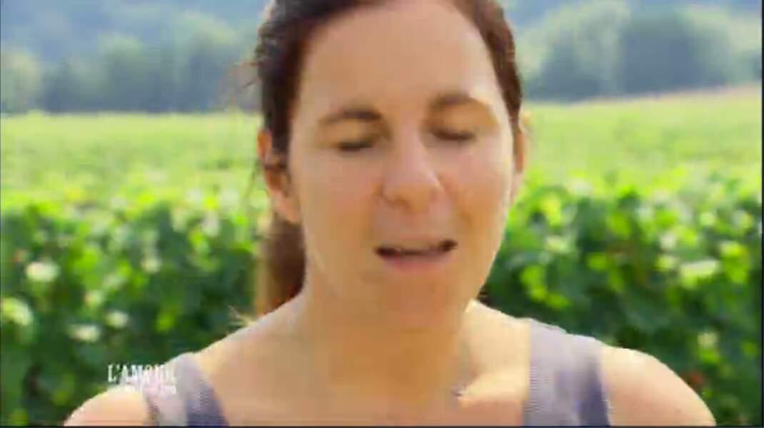 Virginie est une pimpante viticultrice de 32 ans