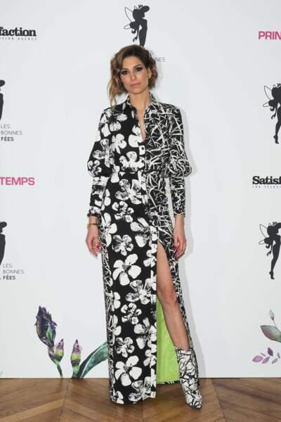 Laury Thilleman et son look noir et blanc jusqu'aux chaussures a emballé les photographes !