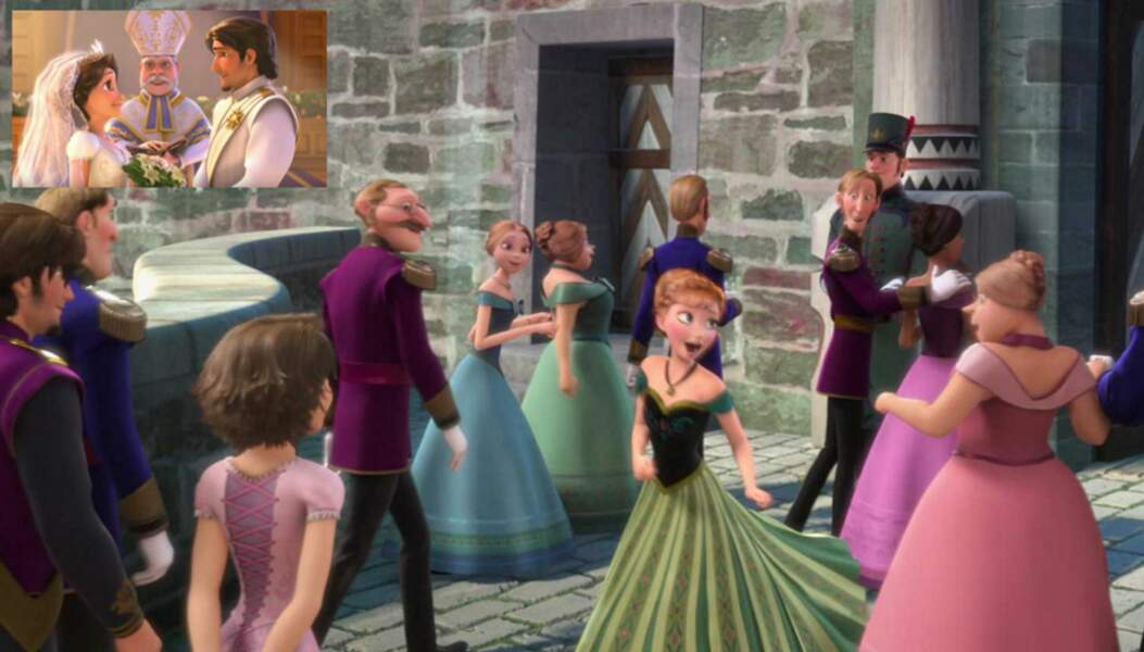 La Reine des Neiges : Raiponce (cheveux courts et de dos) s'invite à une fête organisée par Elsa et Anna