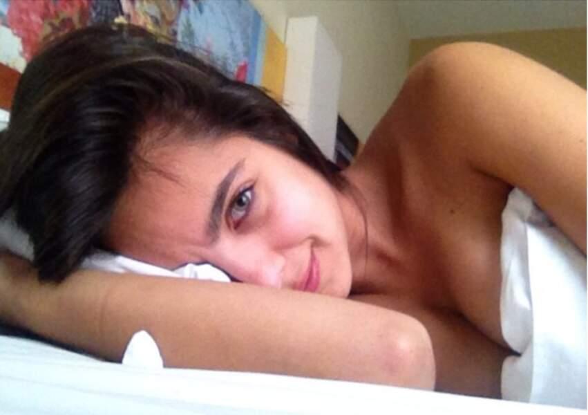 Au saut du lit, Maria Gabriela a le regard qui pétille