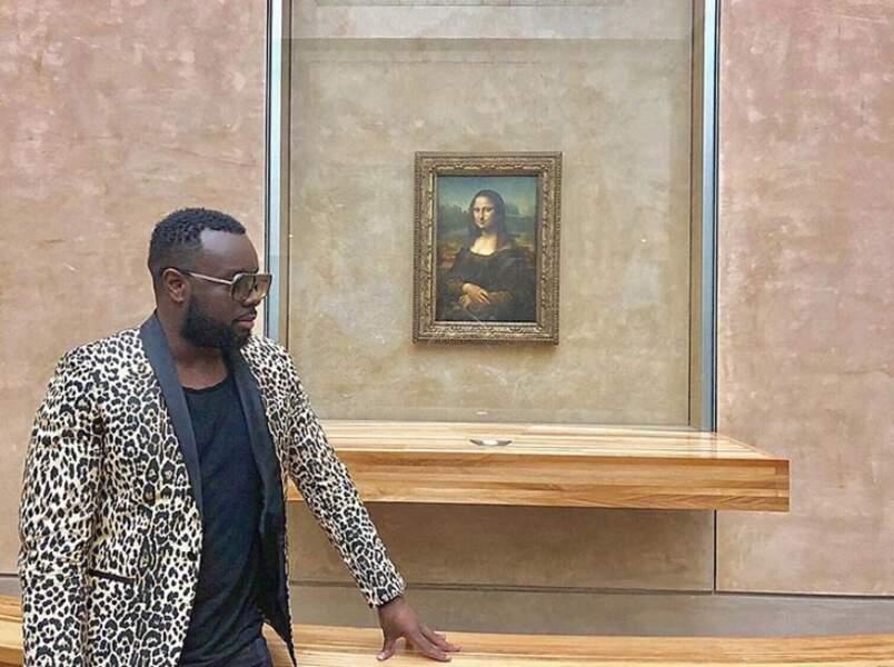 Mais Maître Gims n'a d'yeux que pour Mona Lisa.