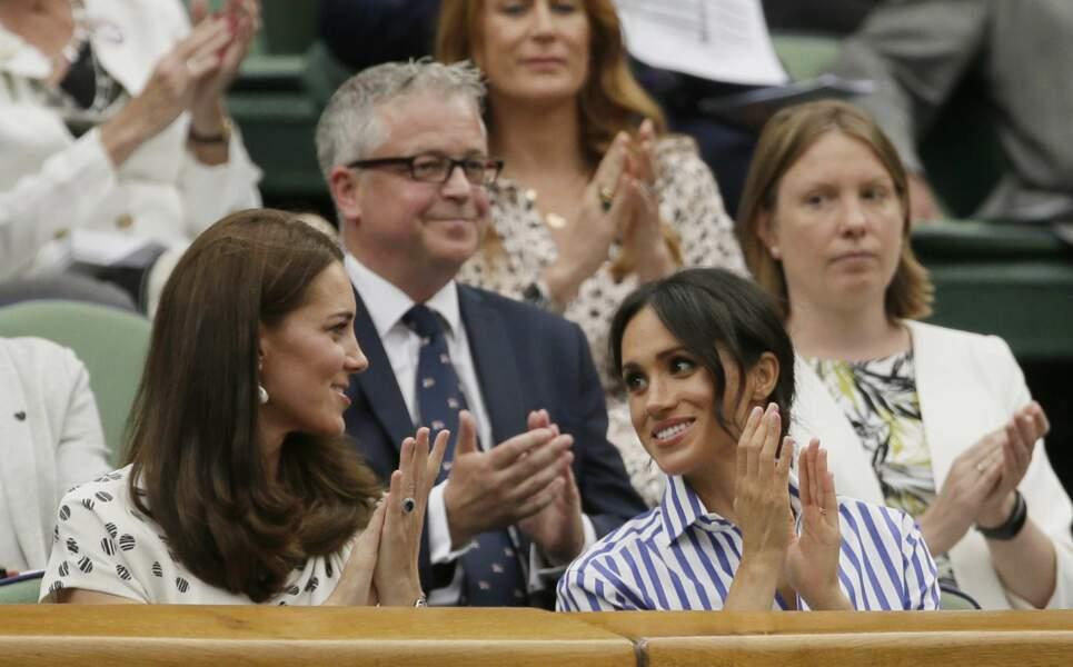 Kate Middleton et Meghan Markle complices à Wimbledon le 14 juillet 2018