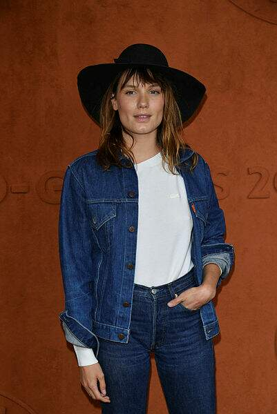 L'actrice Ana Girardot tout en jean, le look casual lui va si bien