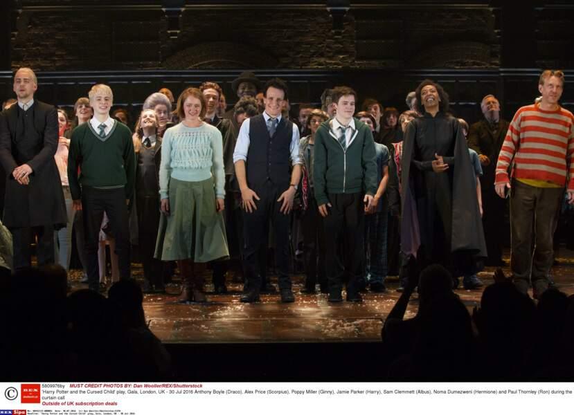Anthony Boyle (Draco), Alex Price (Scorpius), Poppy Miller (Ginny), Sam Clemmett (Albus) avec les 3 stars