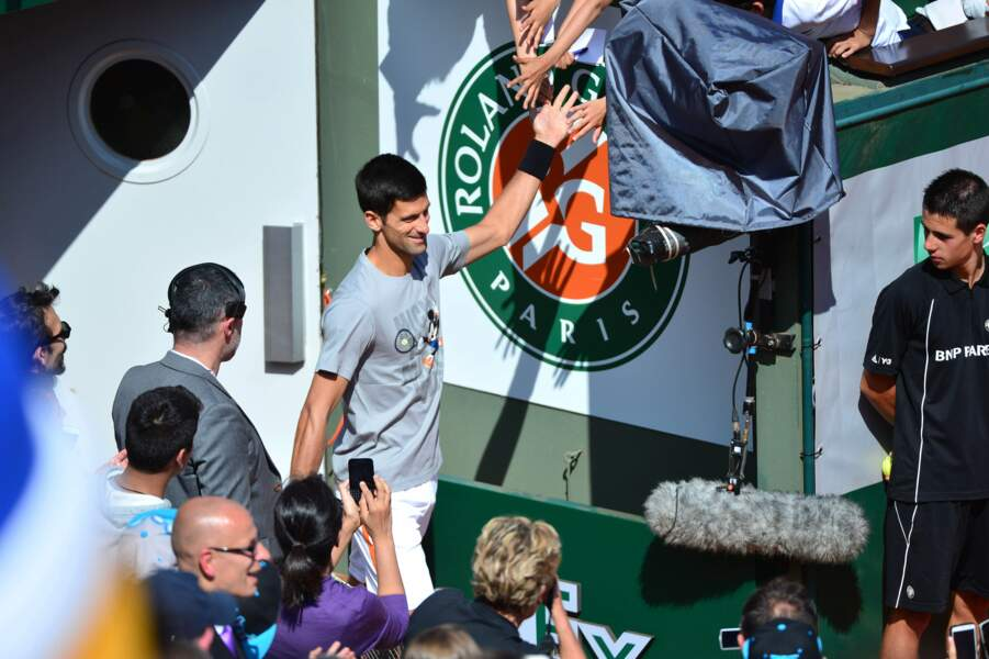 Novak Djokovic arrive en rock star