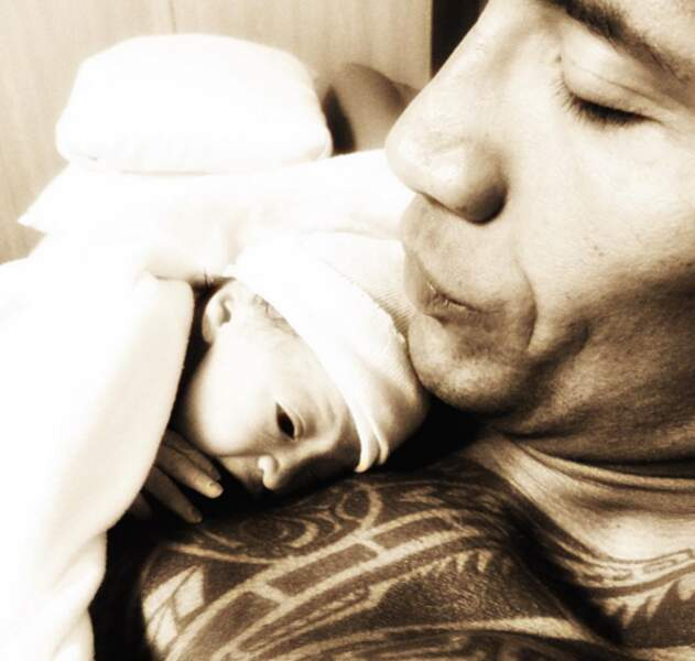 On termine avec une énorme dose de mignon : The Rock et sa fille Jasmine.