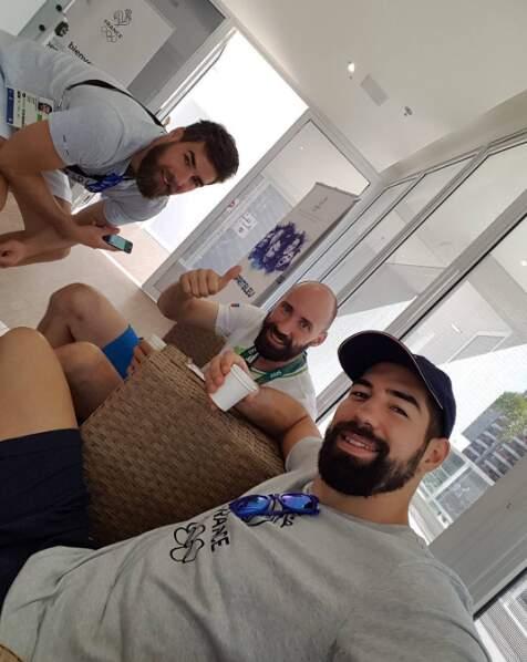 Les frères Karabatic préfèrent la jouer cool. Pas encore qualifiés pour la finale du hand, ils restent concentrés