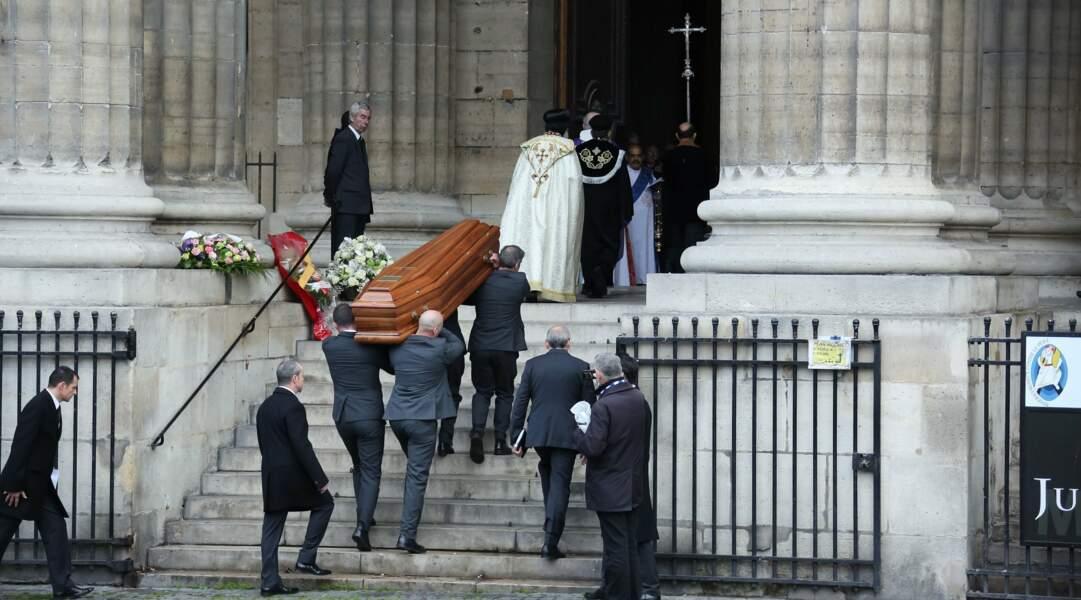 Les obsèques du chanteur Michel Delpech se déroulaient à l'Eglise Saint Sulpice de Paris