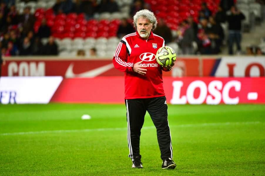 Depuis 2000, il entraîne les gardiens de l'Olympique lyonnais