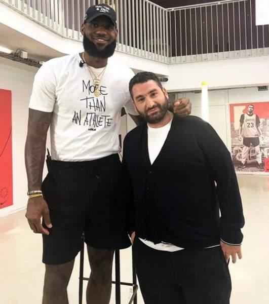 Un peu de douceur : LeBron James avec Mouloud Achour