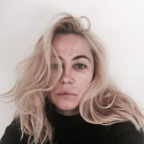 Emmanuelle Béart s'est montrée sans filtre (c'est elle qui le dit).