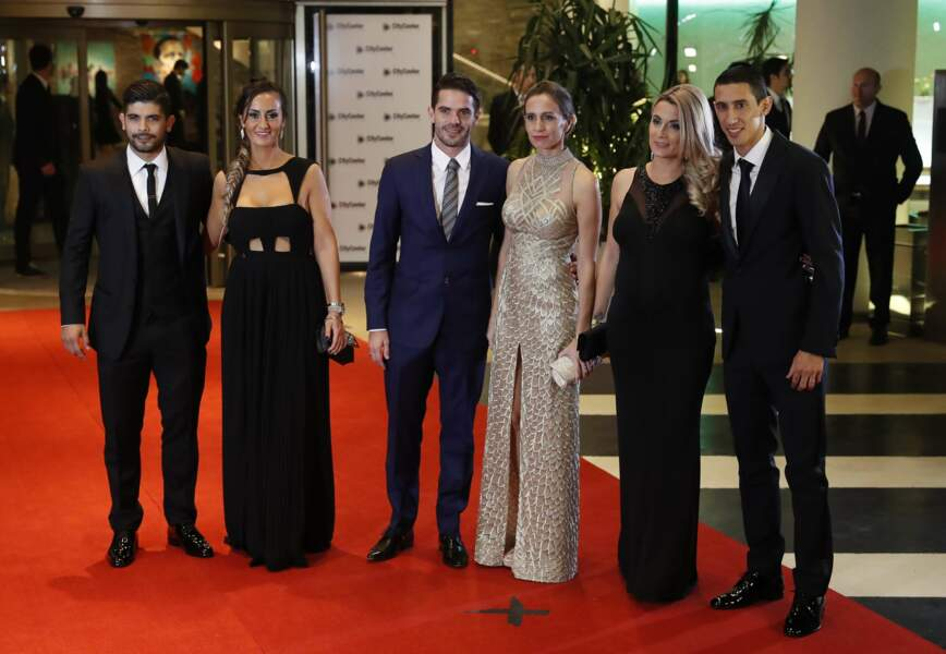 Les Argentins Ever Banega, Fernando Gago et Angel Di Maria et leurs femmes Valeria Juna, Gisela et Jorgelina