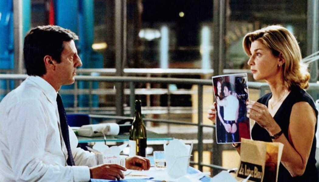 ...et comptable nympho face à l'employé Daniel Auteuil dans Le Placard (2001)