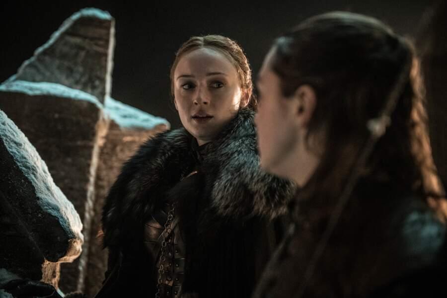 L'heure est grave ! Est-ce la dernière fois que Sansa voit sa sœur Arya ?