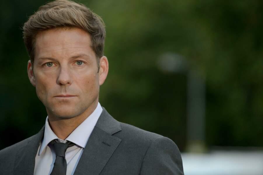 Jamie Bamber est l'inspecteur Tim Williamson dans Marcella
